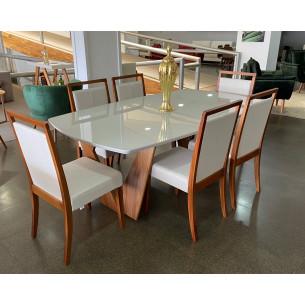 Sala de Jantar com Mesa e Seis Cadeiras Completa 50